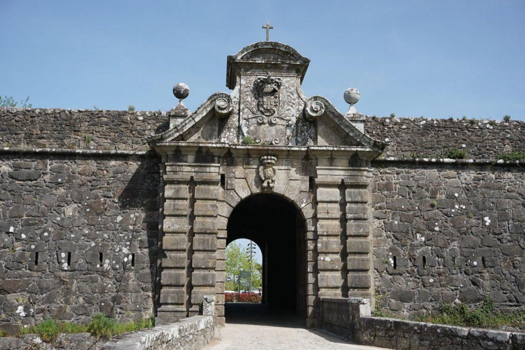 Porta da Coroada em Valença do Minho