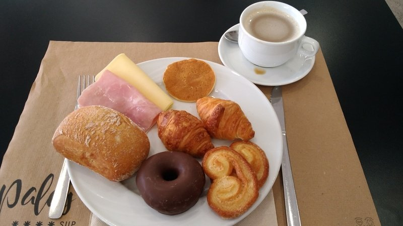 Pequeno almoço do Hotel Palas Pineda