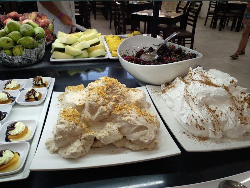 Fruta e sobremesas no Palas Pineda