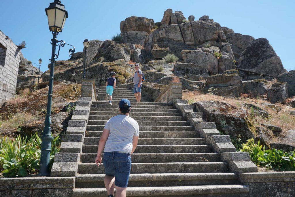 Escadaria do Morro do Castelo de Mêda