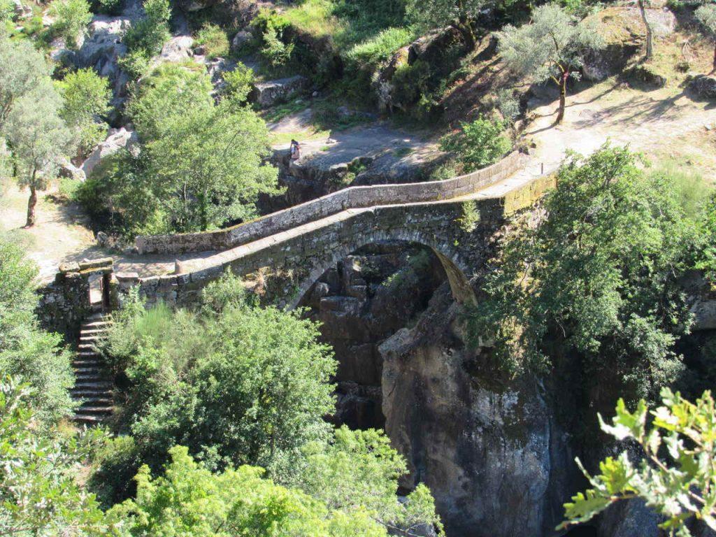 Visitar a Ponte da Mizarela