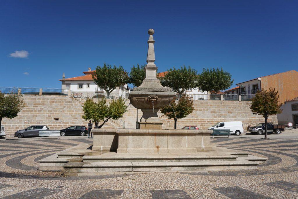 Praça Francisco Meireles.