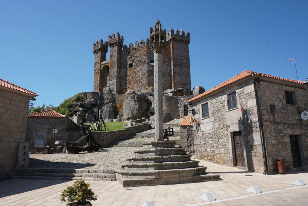 Visitar o Castelo de Penedono.