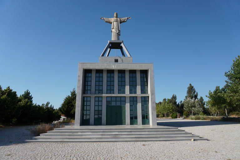 Cristo-Rei em Oleiros.